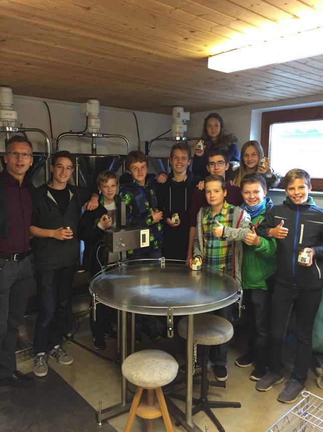Robotik-Team des Jakob-Brucker-Gymnasiums mit Herrn StD Martin Liebau
